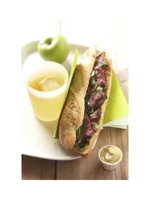 Sandwich chaud au bœuf et aux oignons