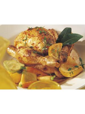 Coquelet rôti au citron et au paprika